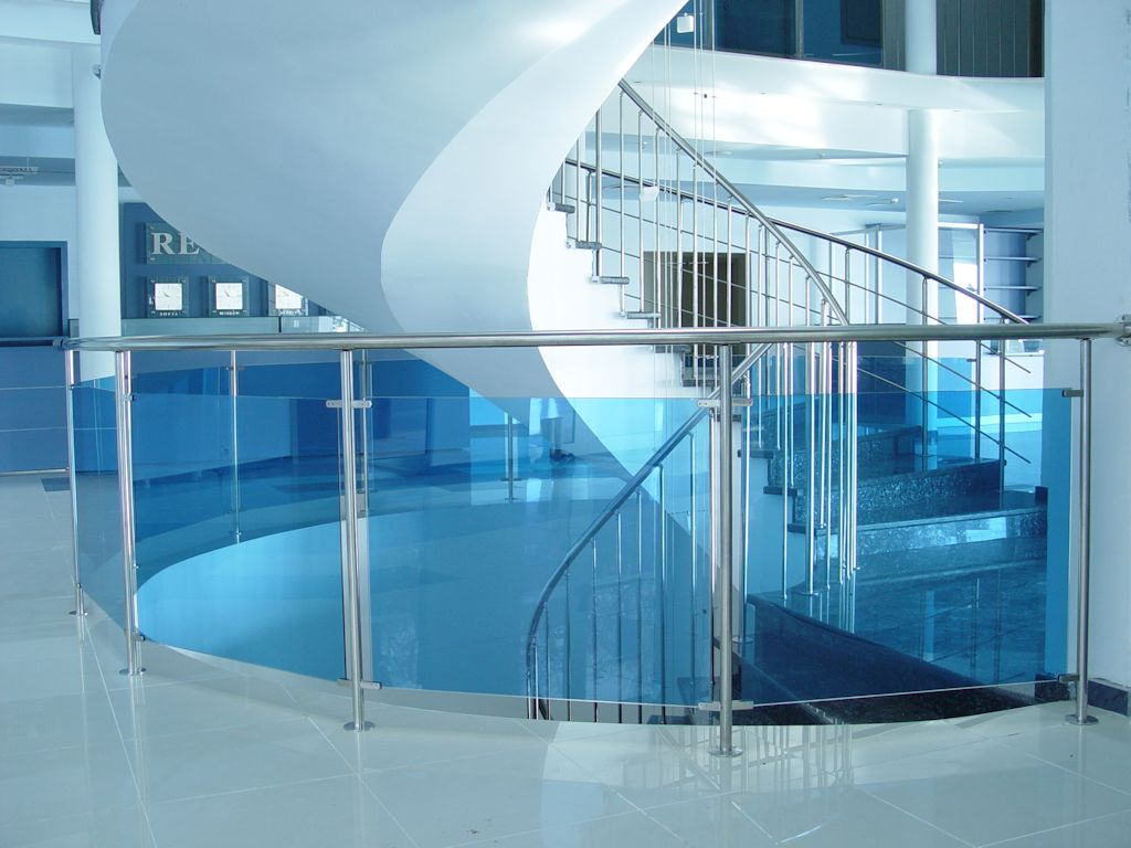 glass_railing_interiror_blue_1420248902.jpg